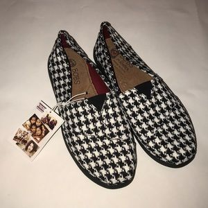 NWT Houndstooth Sketchers Bobs